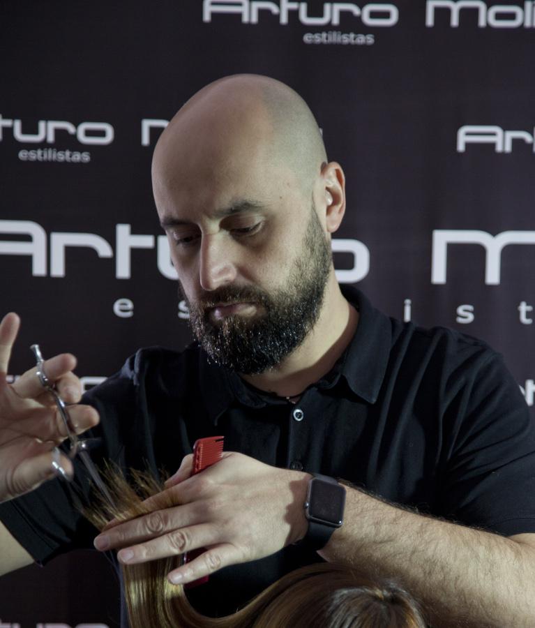 Arturo Molina Estilistas